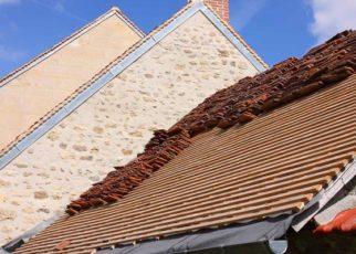 Kiedy warto naprawić, a kiedy wymienić dach?