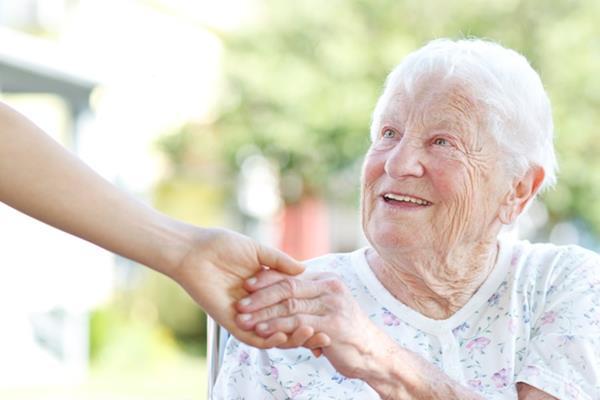 Praca opiekunki - co trzeba wiedzieć?